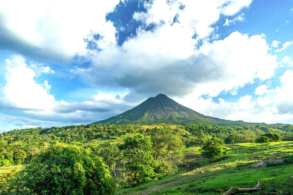 10 Best Things to Do in La Fortuna and Arenal, Costa Rica for First-Time Visitors - Passport & Plates